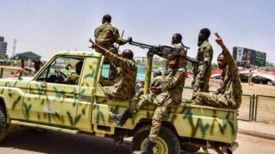 الجيش السوداني: 21 ضابطا وعدد من الجنود اعتقلوا في ما يتصل بمحاولة الانقلاب